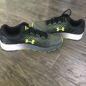 Under Armour Charged Bandit 4 Running Shoe